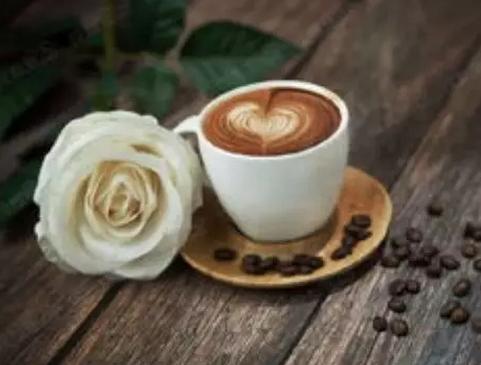 墙上的咖啡